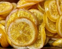 Orangenscheiben in Sirup